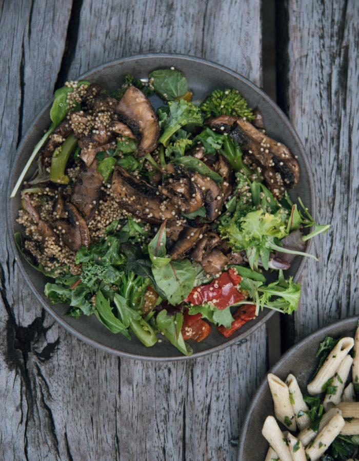 Portobello steak & chimichurri-salat.